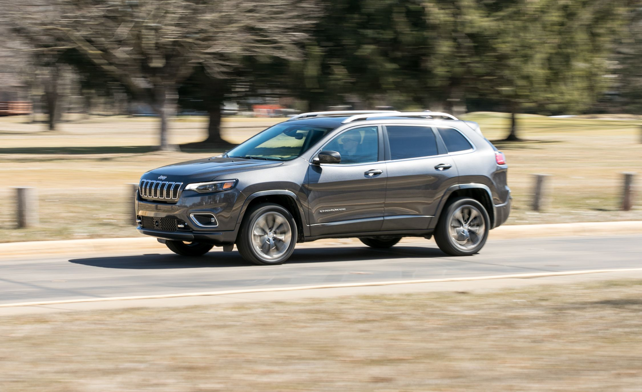 2019 Jeep Cherokee V 6 Awd Test It S Just Okay Review Car And Driver