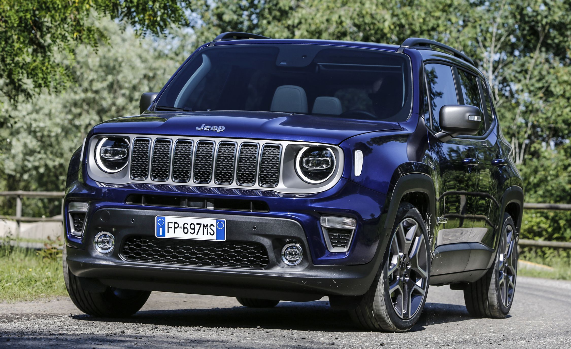 2019 Jeep Renegade Shows Its Face News Car And Driver