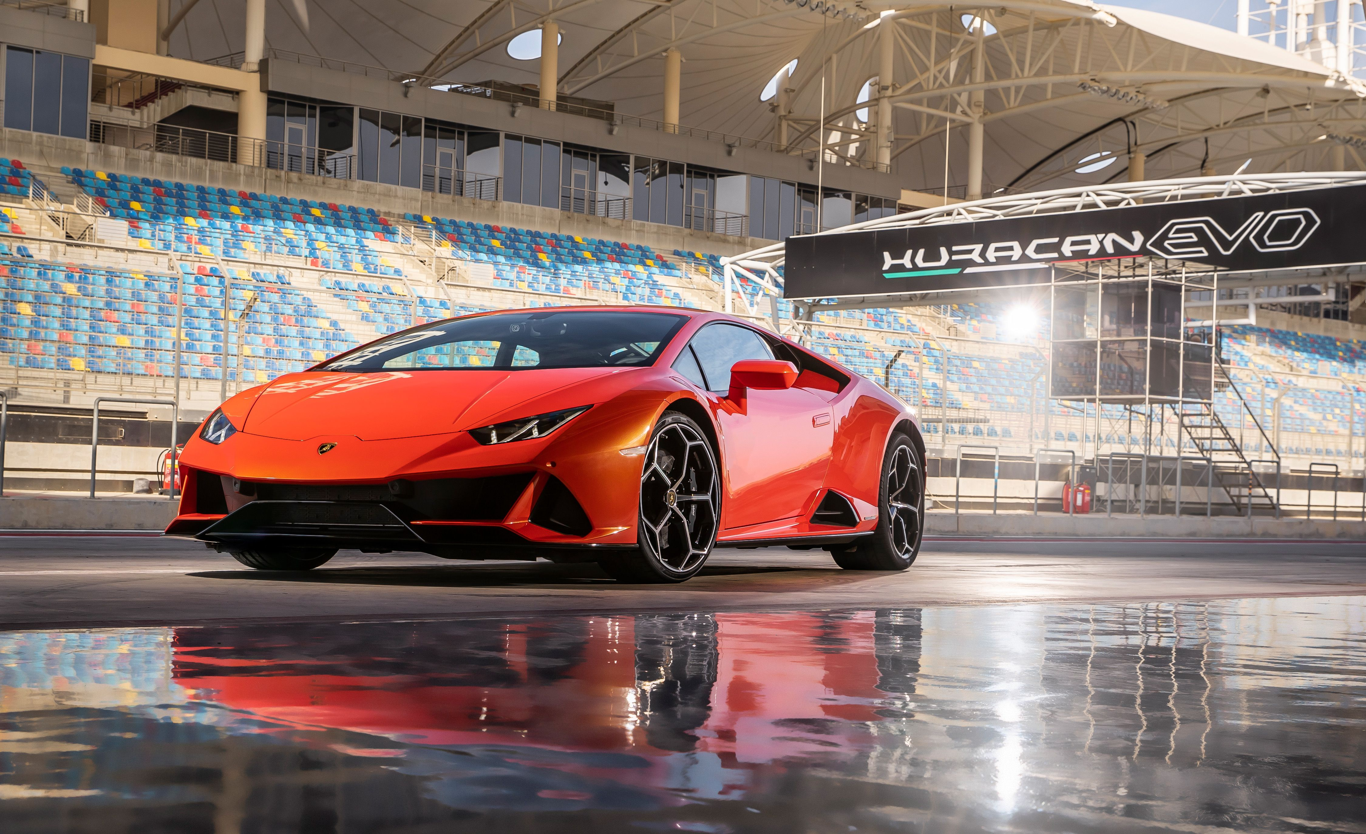 2020 Lamborghini Huracan Reviews Lamborghini Huracan Price Photos