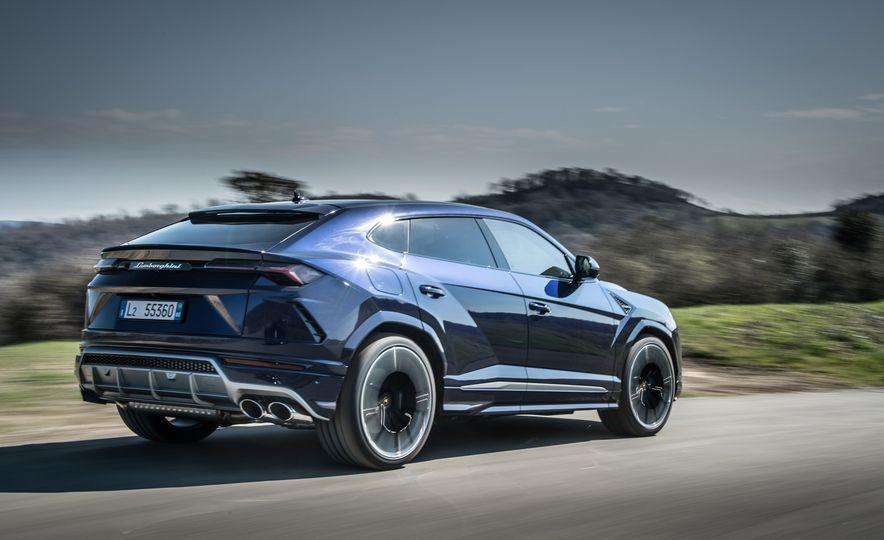 2019 Lamborghini Urus - Slide 27