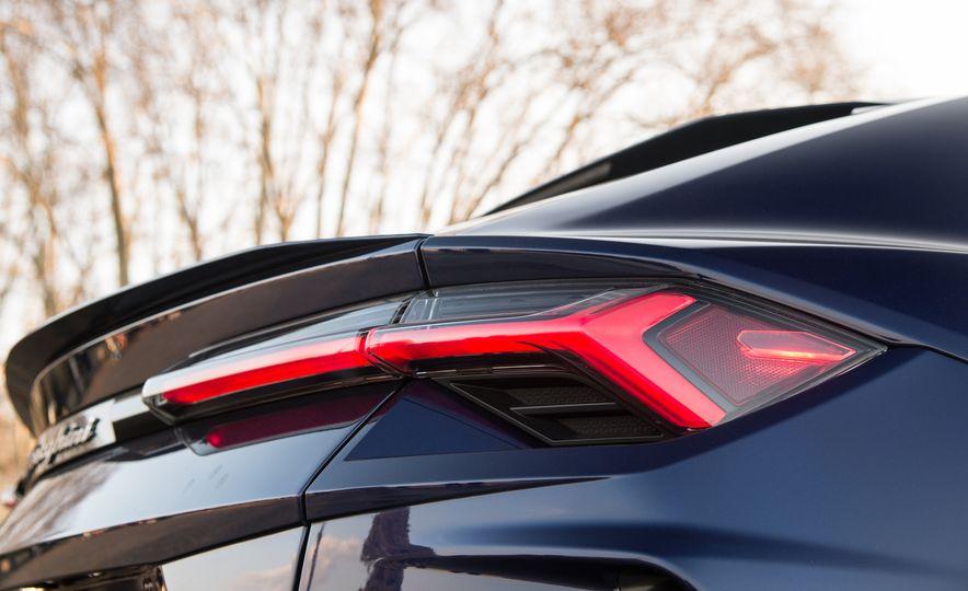2019 Lamborghini Urus - Slide 31