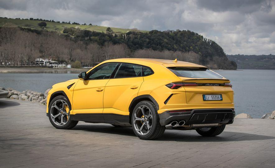 2019 Lamborghini Urus - Slide 44