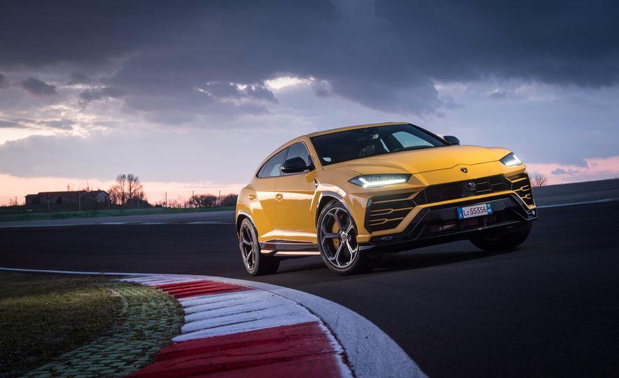 2019 Lamborghini Urus - Slide 47