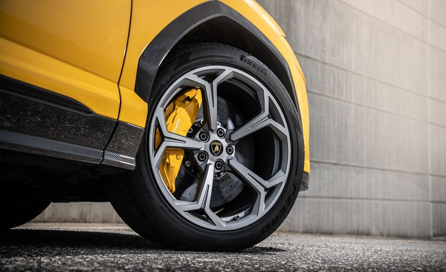 2019 Lamborghini Urus - Slide 49