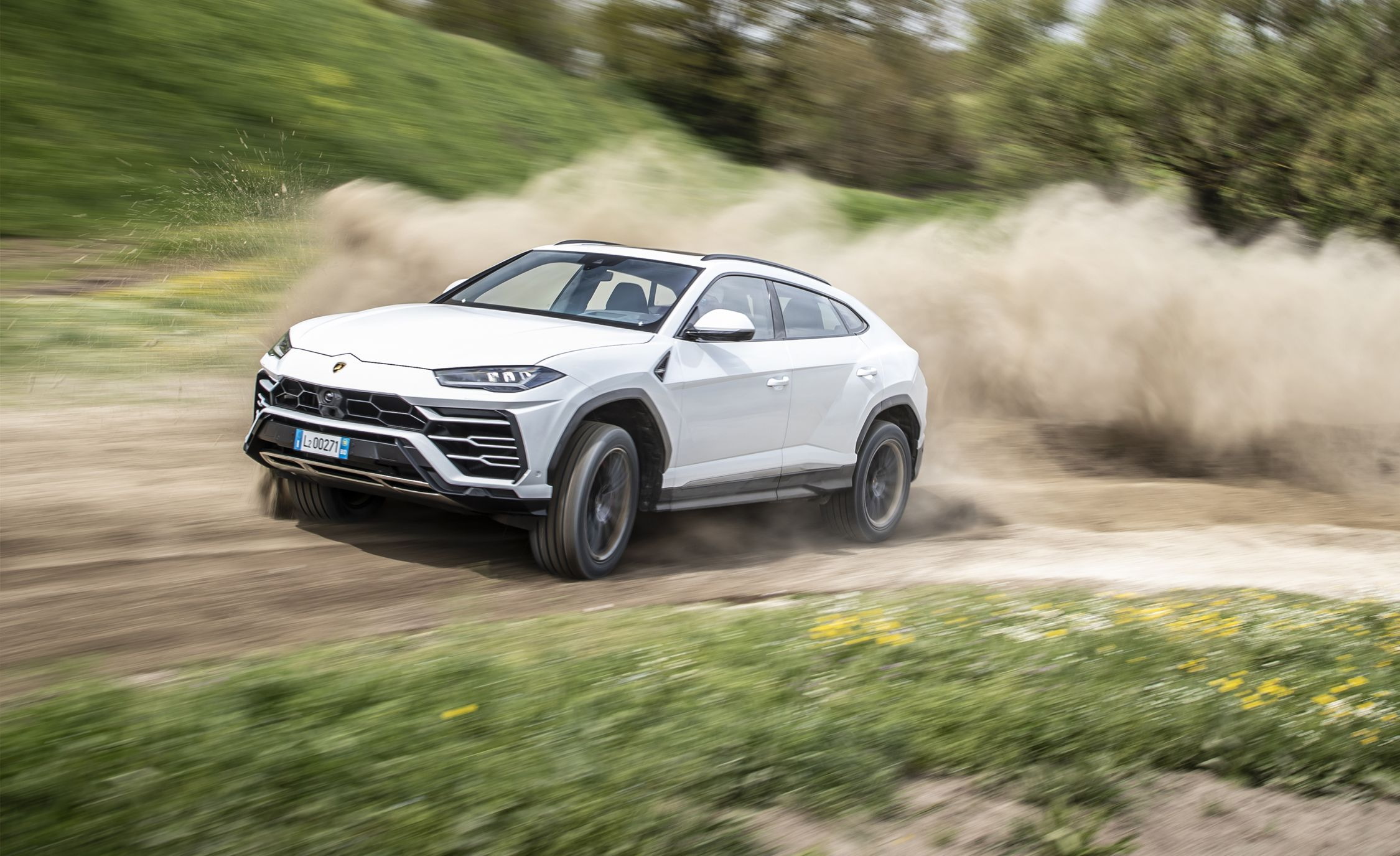 2019 Lamborghini Urus First Drive The Crossbreed Bull Review Car And Driver