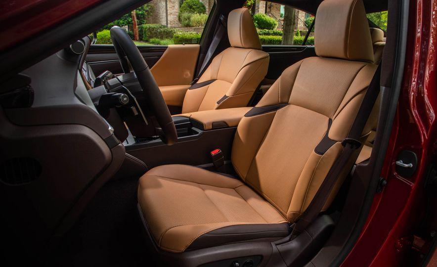 2019 Lexus ES300h - Slide 13