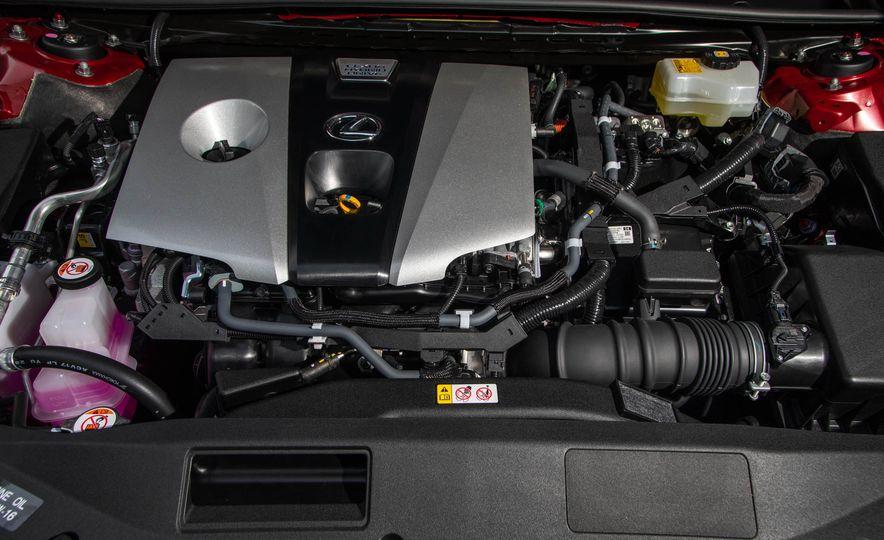 2019 Lexus ES300h - Slide 22