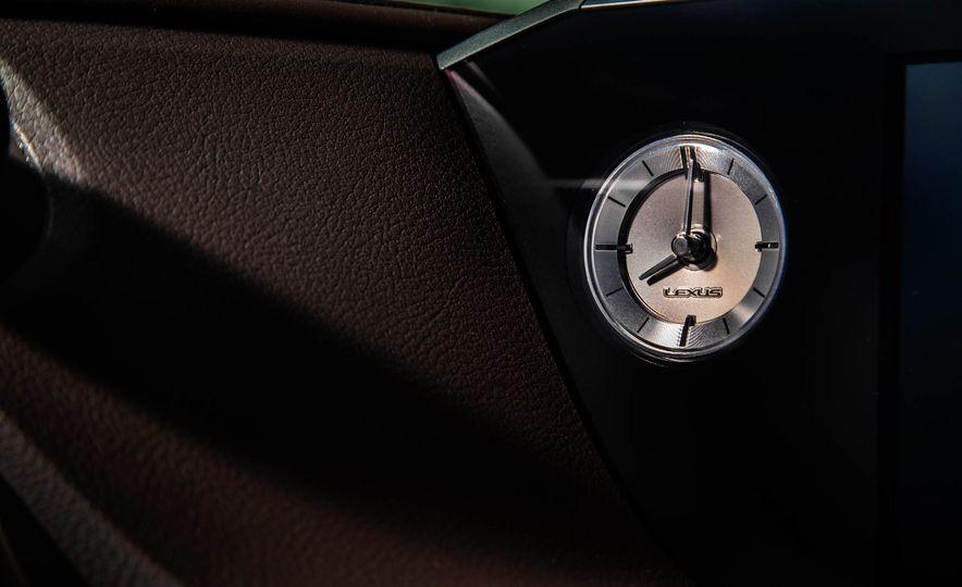 2019 Lexus ES300h - Slide 54