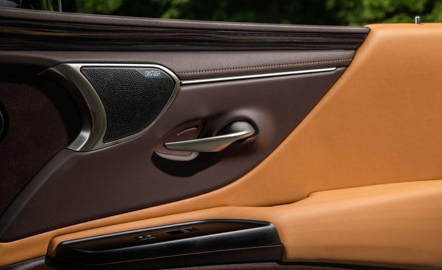 2019 Lexus ES300h - Slide 58