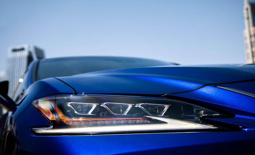 2019 Lexus ES300h - Slide 80