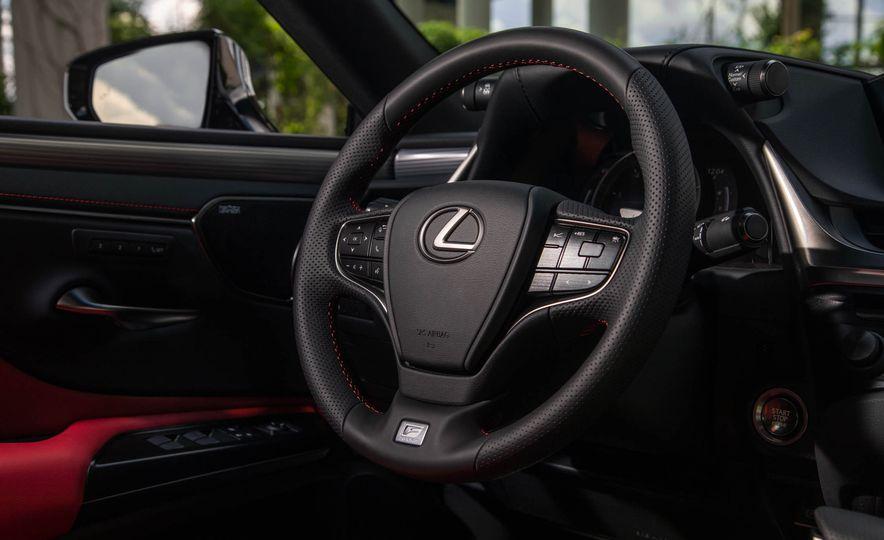2019 Lexus ES300h - Slide 94