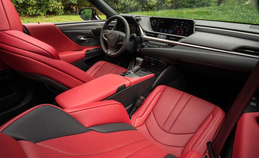 2019 Lexus ES300h - Slide 101