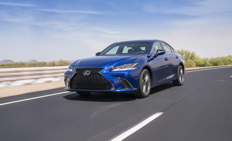 2019 Lexus ES: It Actually Looks Pretty Darn Good
