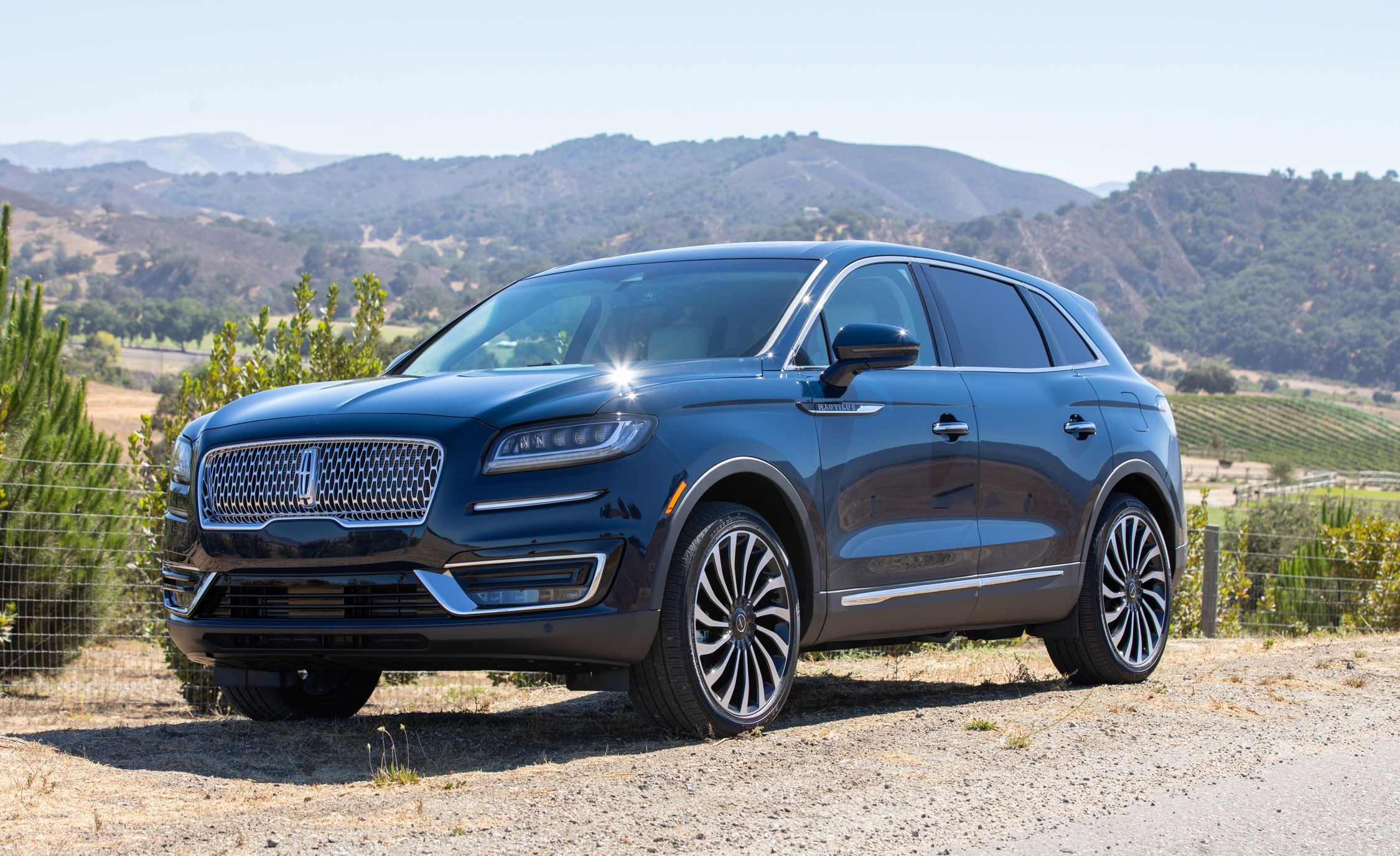 The 2019 Lincoln Nautilus Improves on the Former MKX