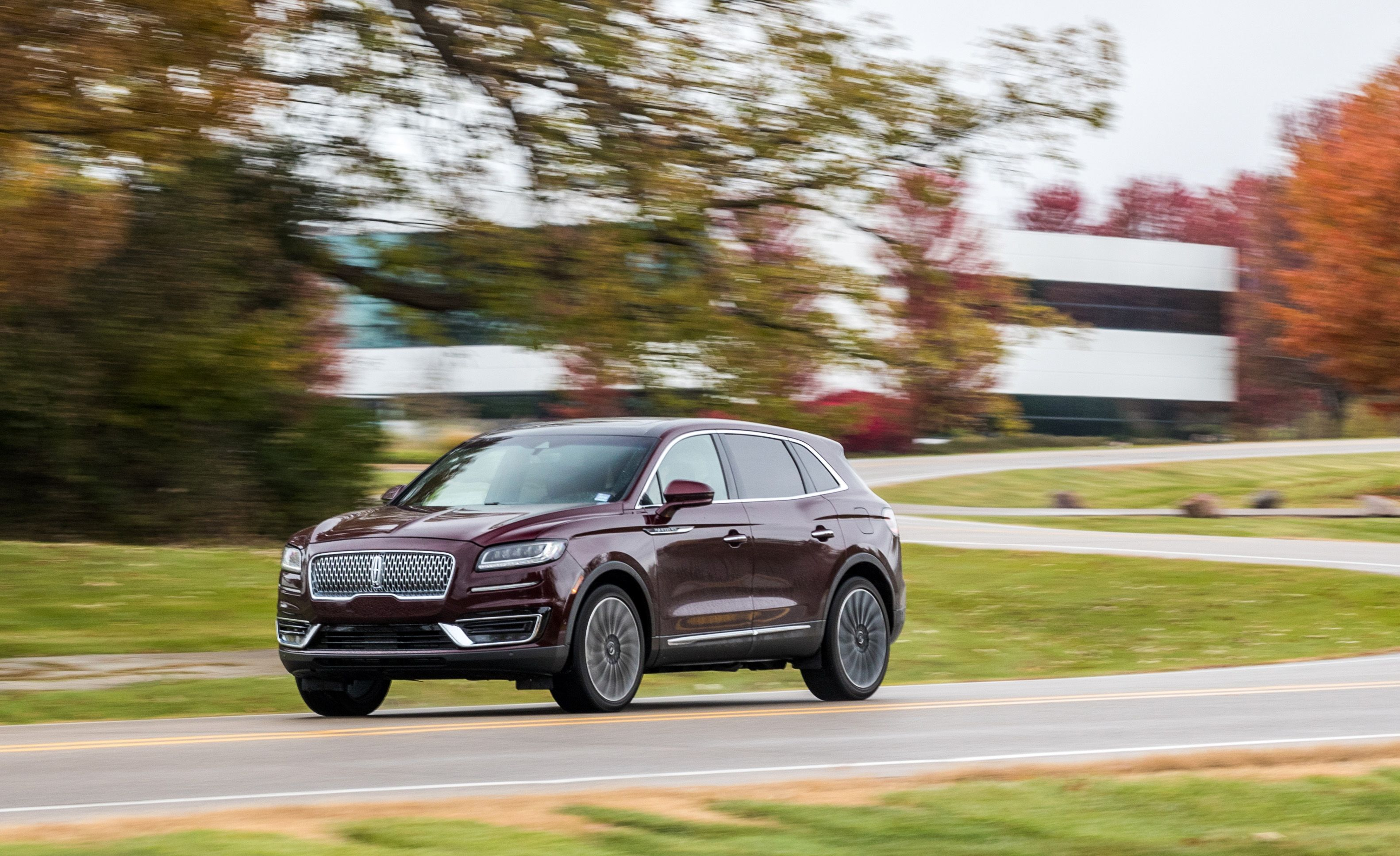 2019 Lincoln Nautilus Reviews Lincoln Nautilus Price Photos And