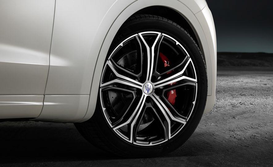 2019 Maserati V8 Levante GTS - Slide 14