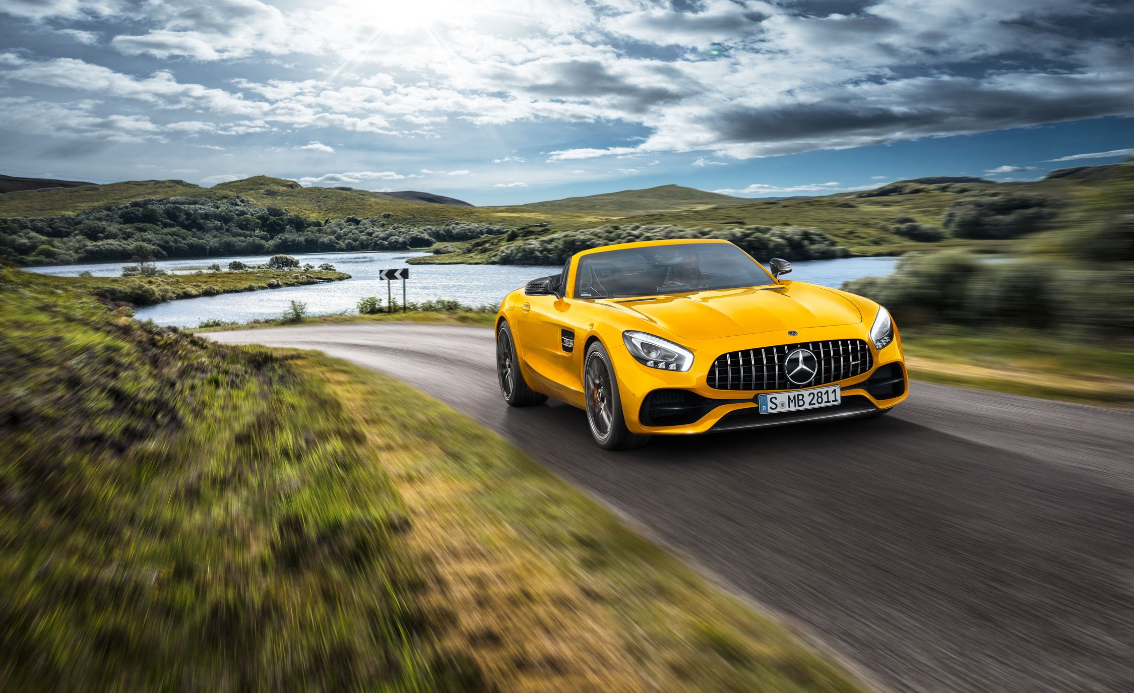 2019 Mercedes-AMG GT S Roadster: Bridging the Gap