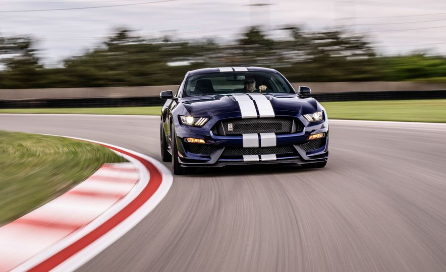 2019 Ford Mustang Shelby GT350 - Slide 1
