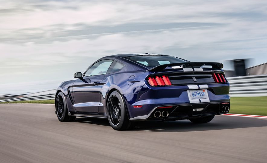 2019 Ford Mustang Shelby GT350 - Slide 3