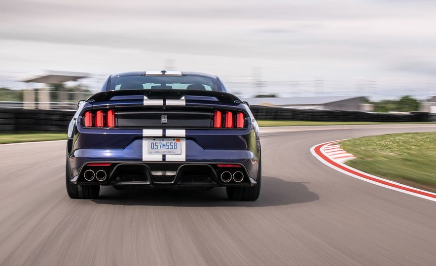 2019 Ford Mustang Shelby GT350 - Slide 5