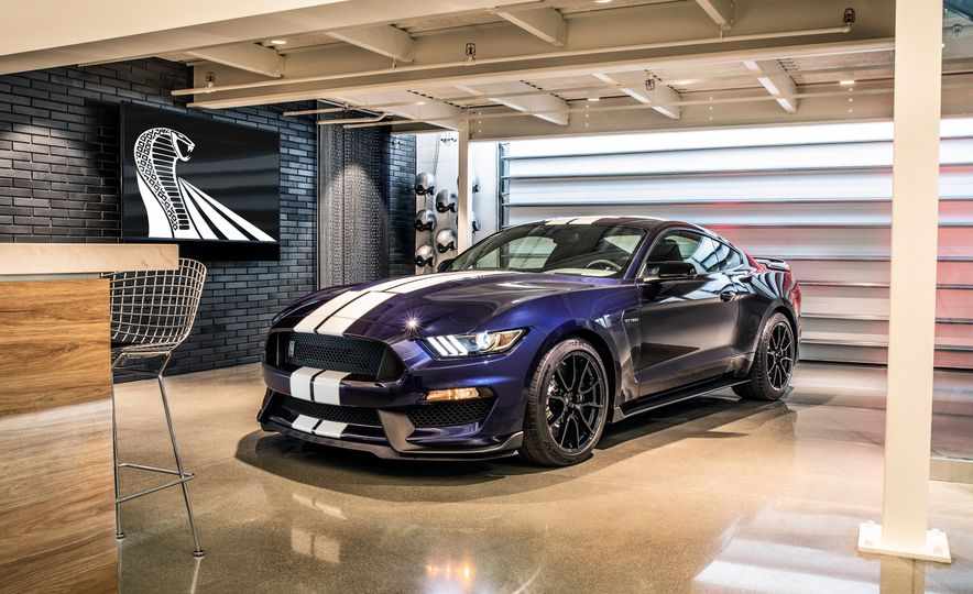 2019 Ford Mustang Shelby GT350 - Slide 6