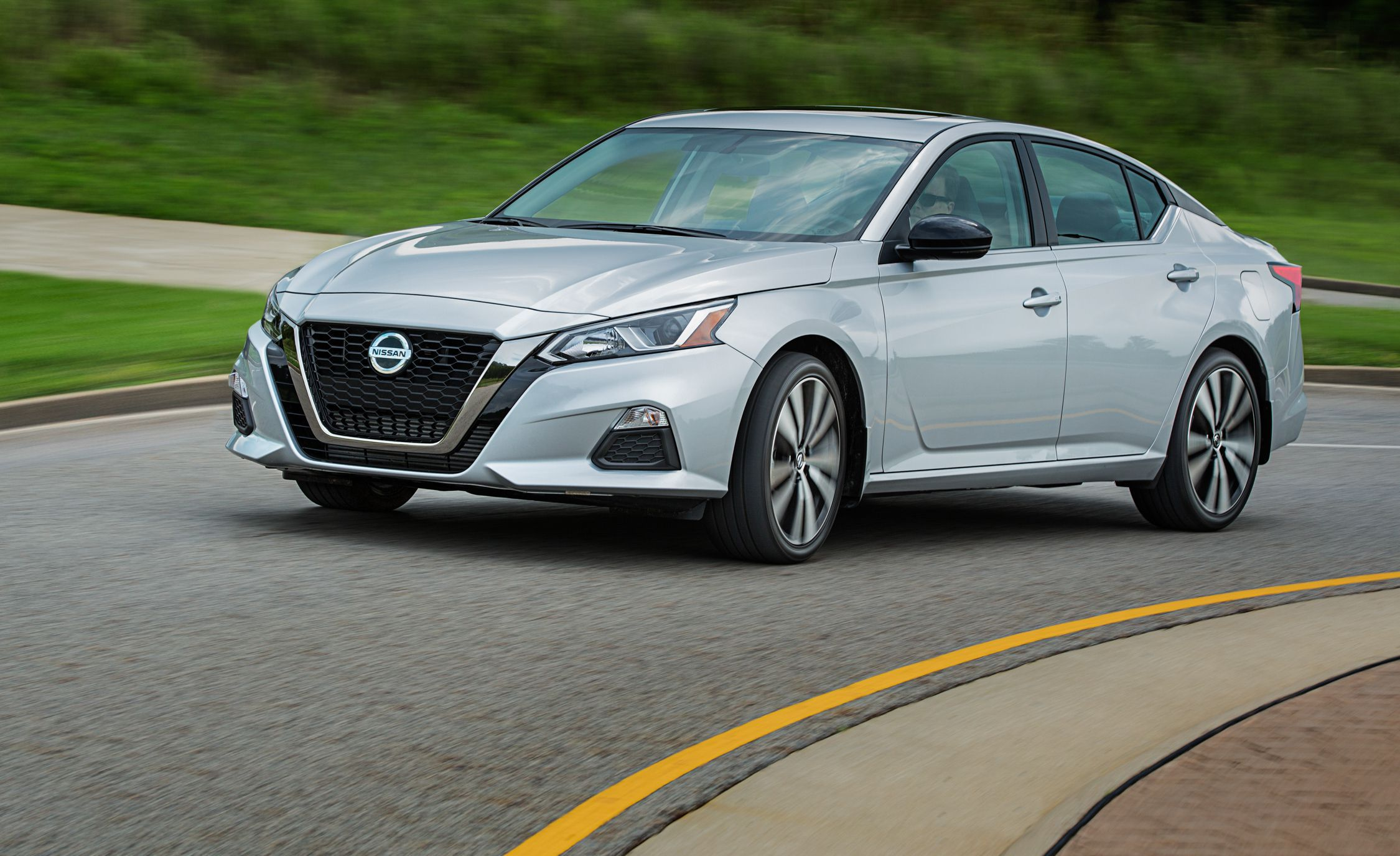 Nissan Altima Reviews Nissan Altima Price s and Specs