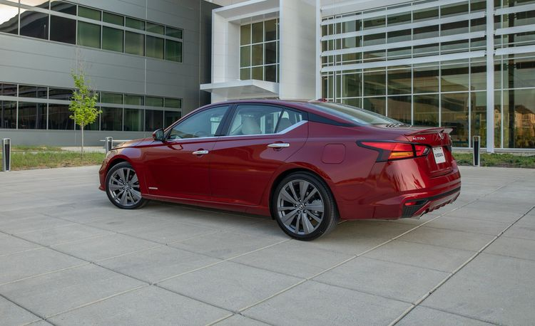 The 2019 Nissan Altima's New VC-Turbo Engine Delivers on MPG