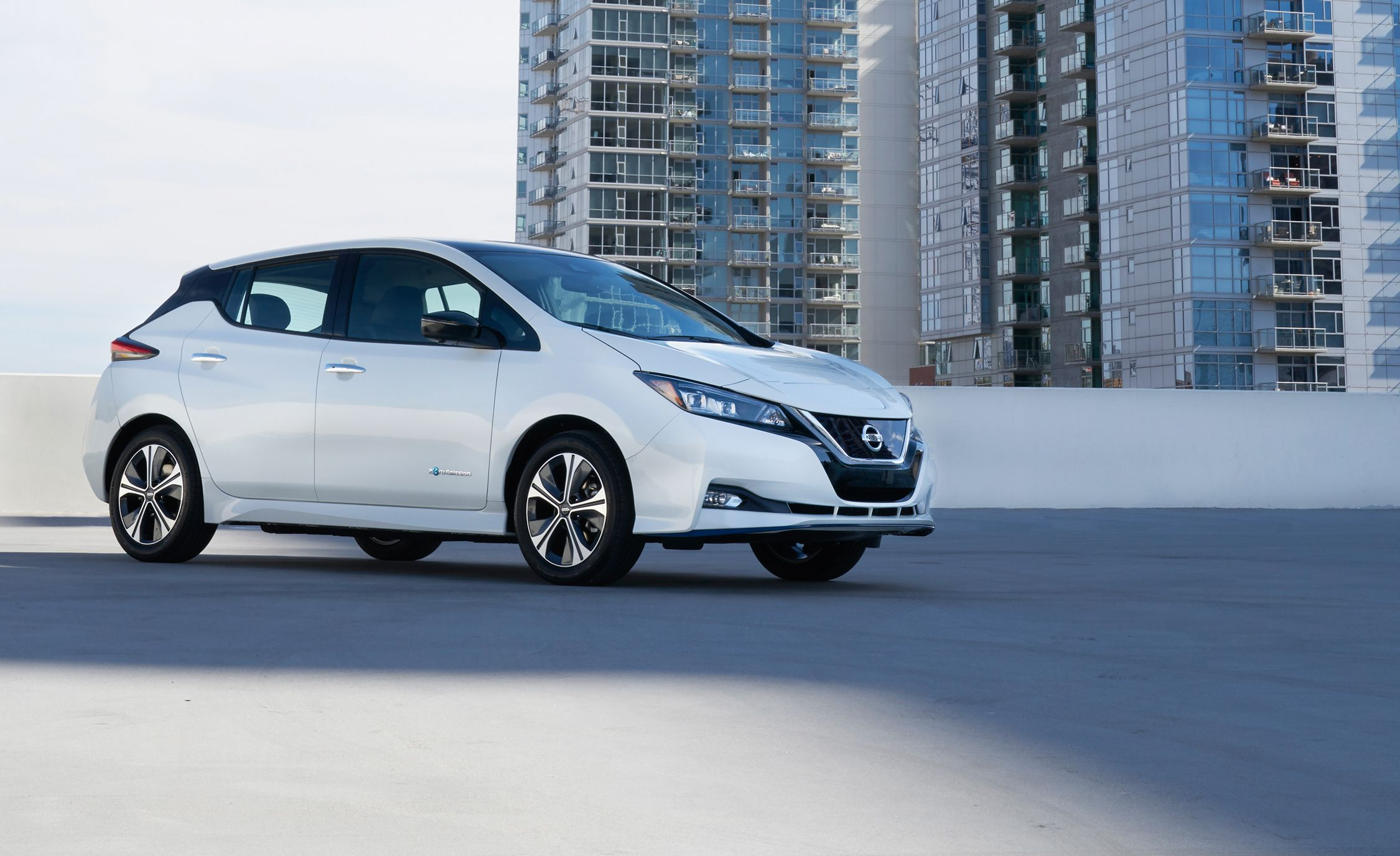 2019 nissan leaf reviews