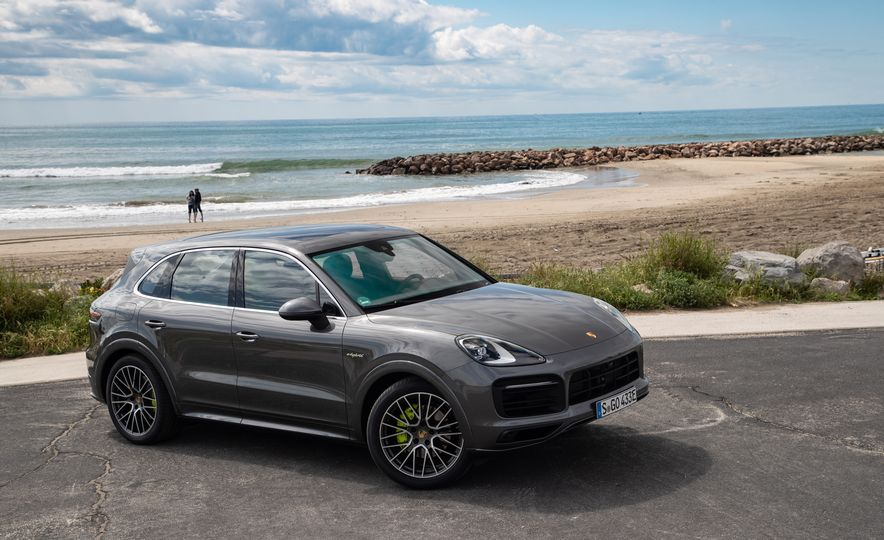 2019 Porsche Cayenne E-Hybrid - Slide 16