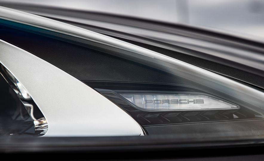 2019 Porsche Cayenne E-Hybrid - Slide 19