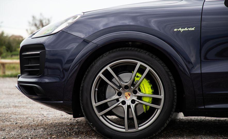 2019 Porsche Cayenne E-Hybrid - Slide 37