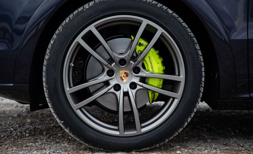 2019 Porsche Cayenne E-Hybrid - Slide 38