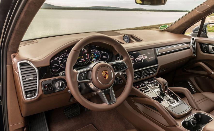 2019 Porsche Cayenne E-Hybrid - Slide 43