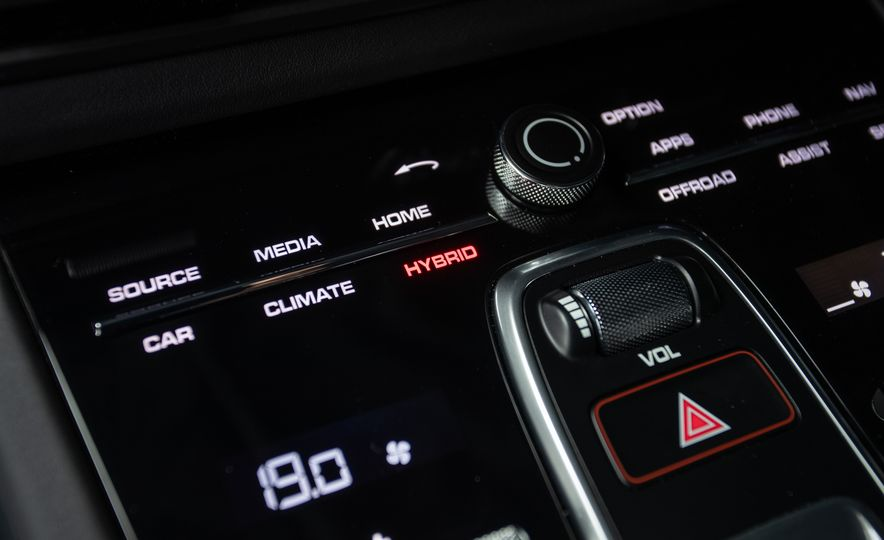 2019 Porsche Cayenne E-Hybrid - Slide 82