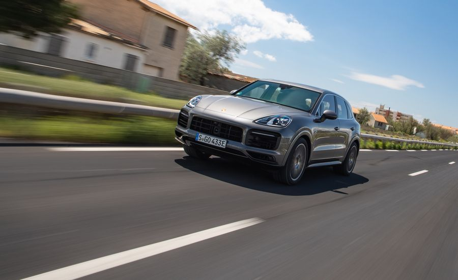 2019 Porsche Cayenne E-Hybrid: The SUV without a Starter Motor