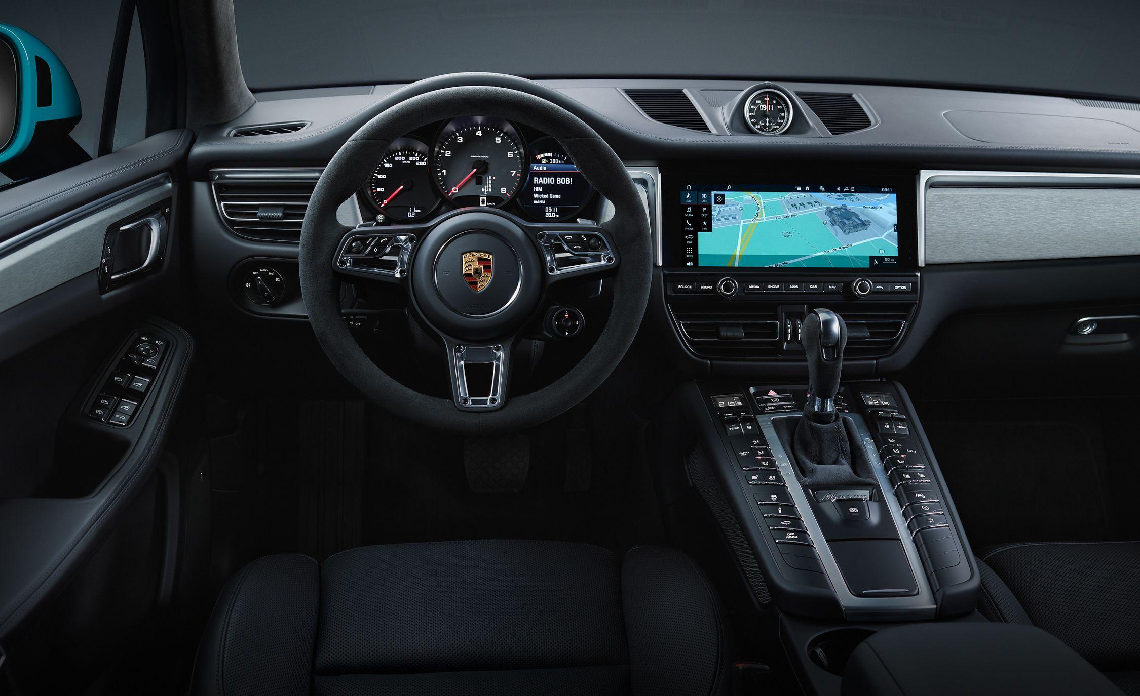 2019 Porsche Macan - Slide 23