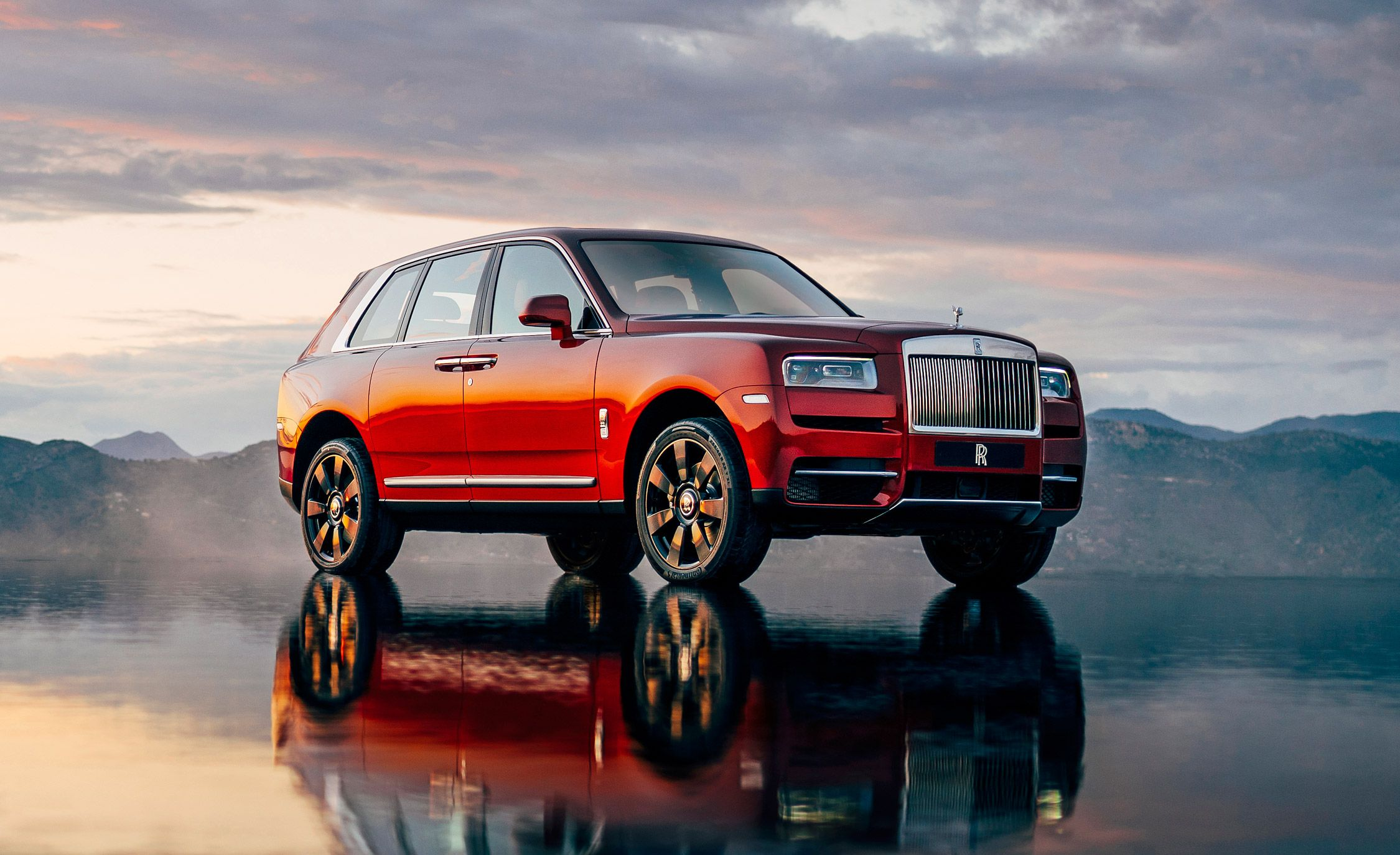 2019 Rolls Royce Cullinan Suv Is Here It S A Diamond For