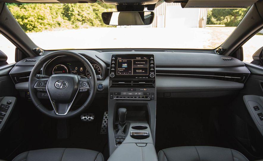 2019 Toyota Avalon XSE Hybrid - Slide 26