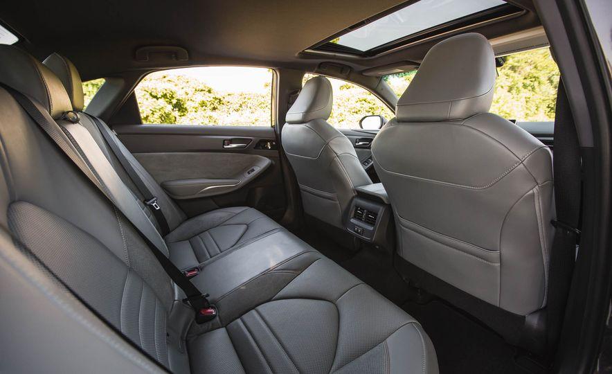2019 Toyota Avalon XSE Hybrid - Slide 44