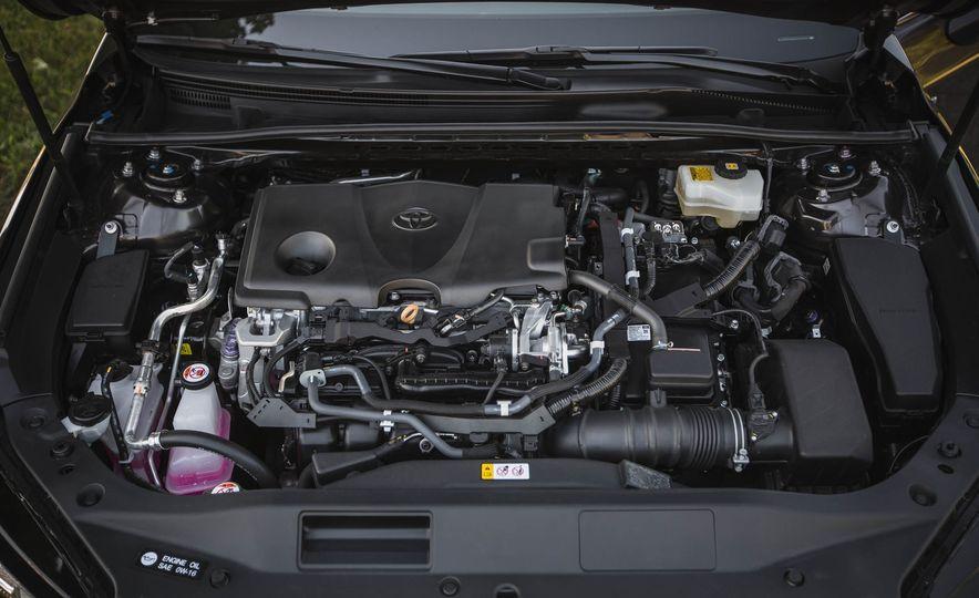 2019 Toyota Avalon XSE Hybrid - Slide 49
