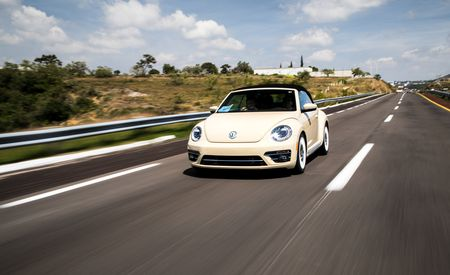 2019 Volkswagen Beetle Final Edition Is a Stylish Send-Off for the Bug