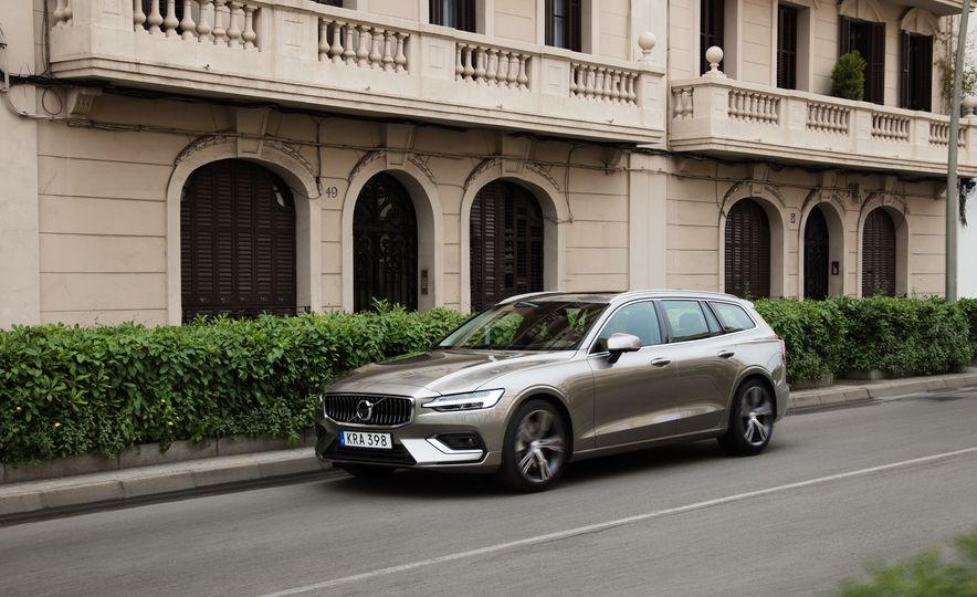 2019 Volvo V60 - Slide 4