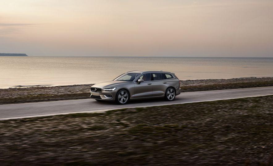 2019 Volvo V60 - Slide 22
