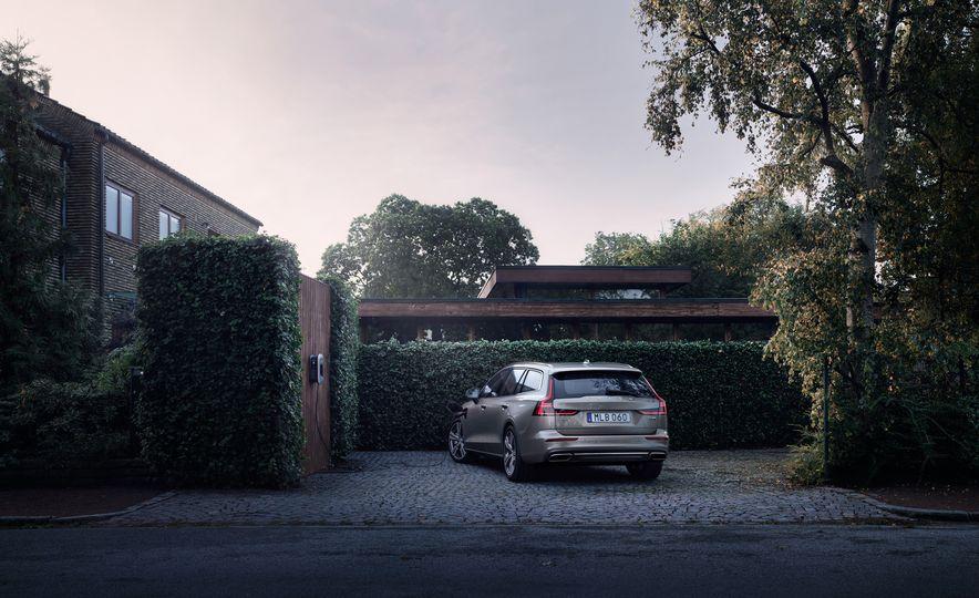 2019 Volvo V60 - Slide 27