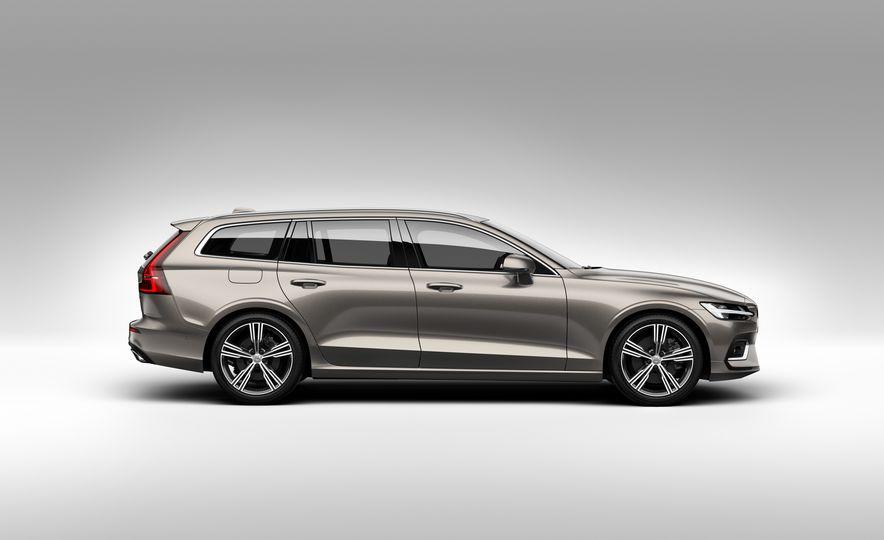 2019 Volvo V60 - Slide 32