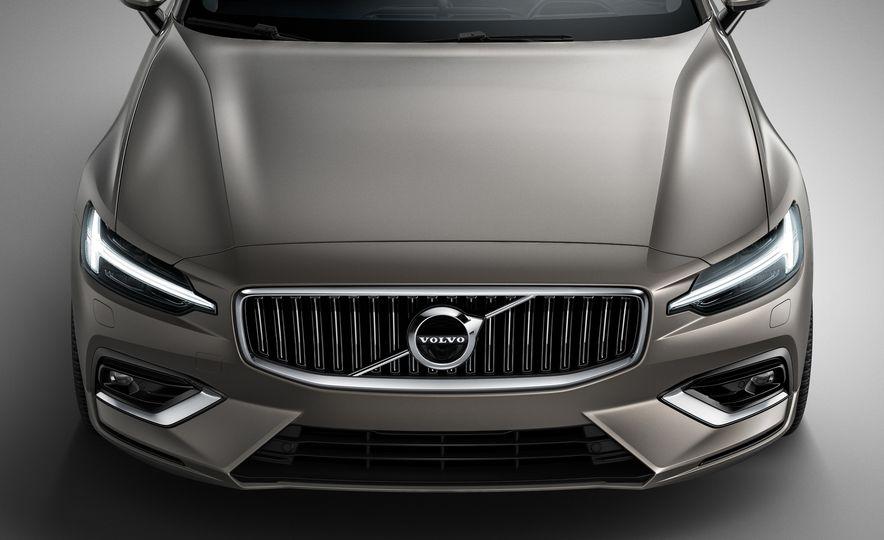 2019 Volvo V60 - Slide 34