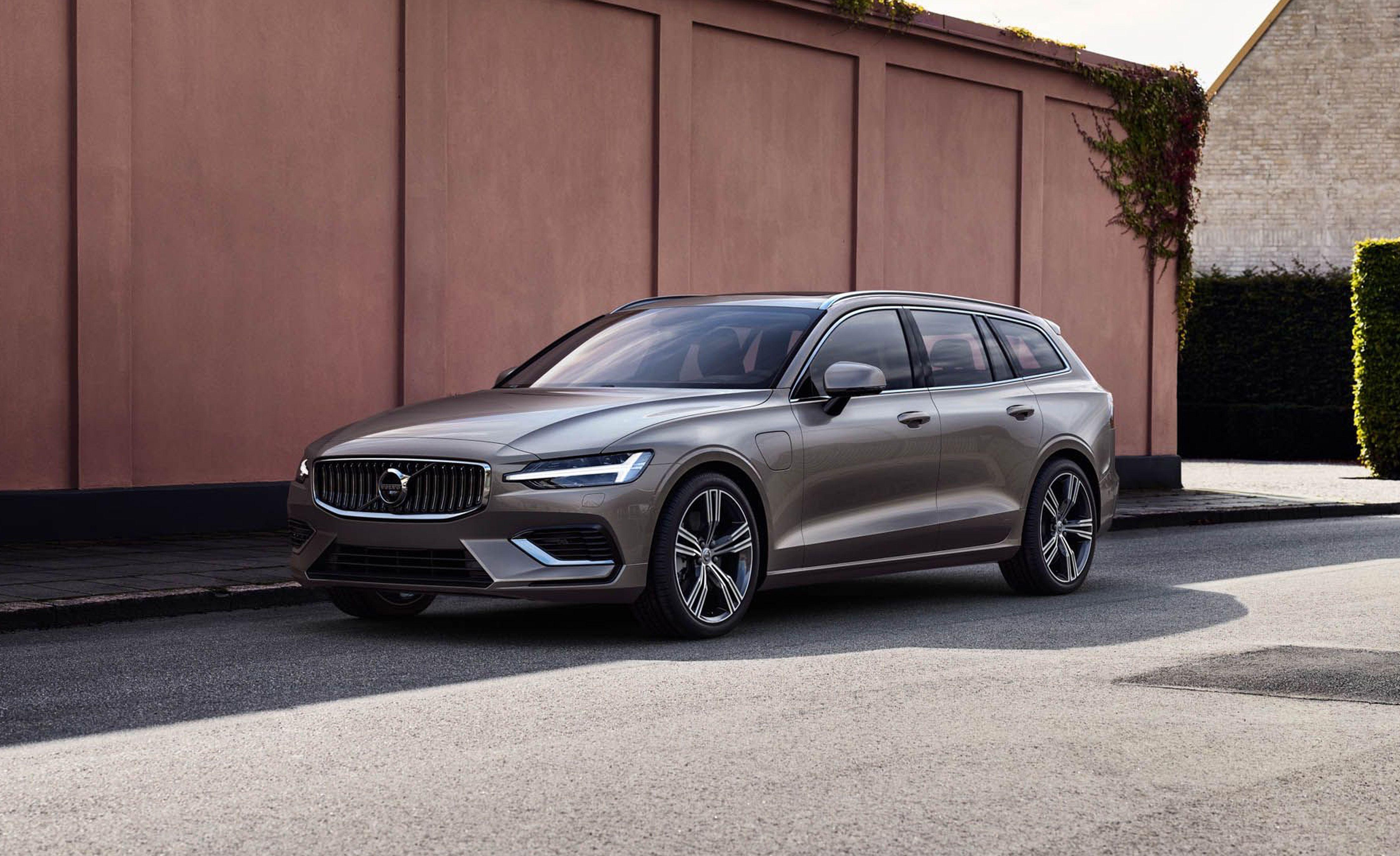 Dodge Ram Build And Price >> 2020 Volvo V60 Reviews | Volvo V60 Price, Photos, and Specs | Car and Driver