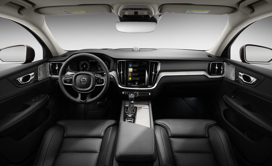 2019 Volvo V60 - Slide 62