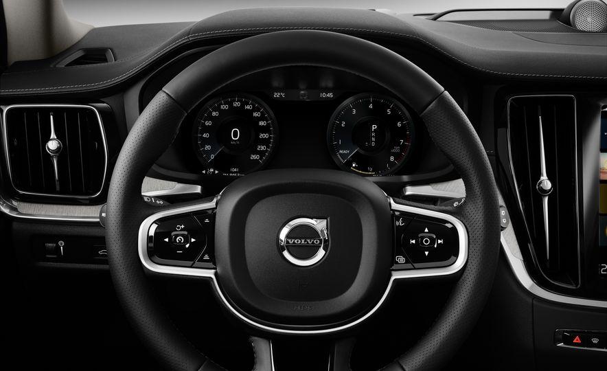2019 Volvo V60 - Slide 63