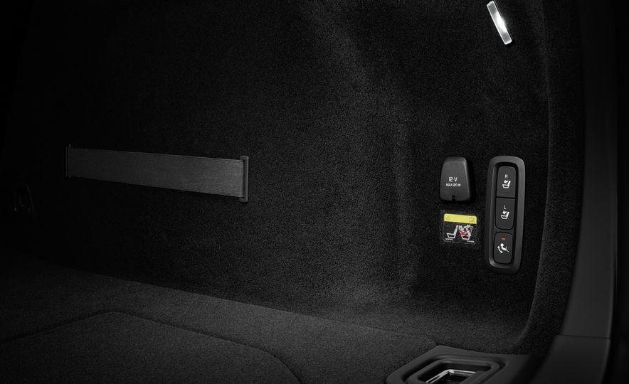 2019 Volvo V60 - Slide 72